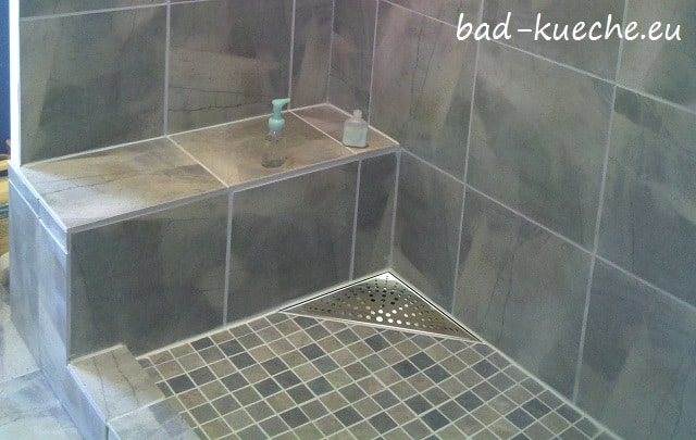 classic duschrinne dreieckig 200x200mm bodenablauf circles. Black Bedroom Furniture Sets. Home Design Ideas