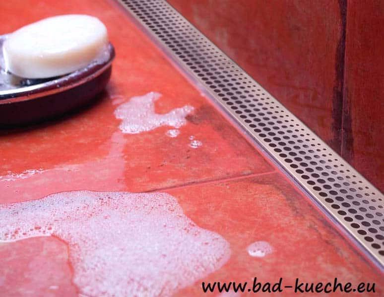 wandablauf dusche duschrinne fr wandmontage bodengleich circles - Wandablauf Dusche Flach